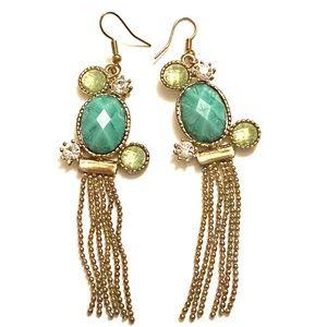 Jewelry - Green gold dangle earrings